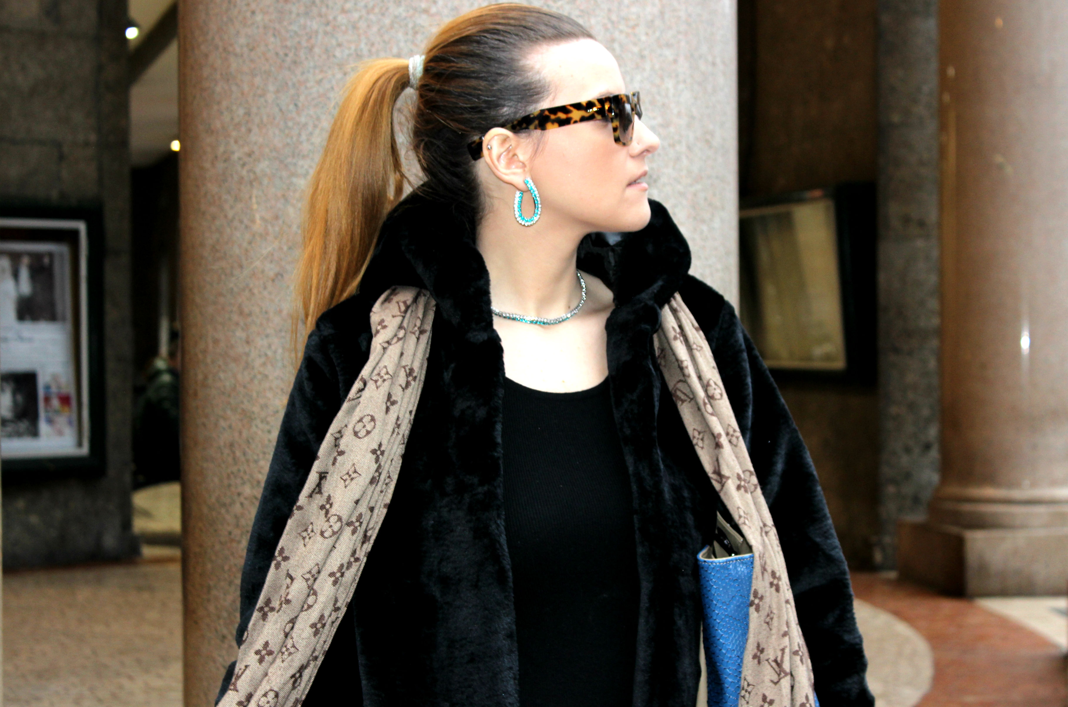 LEPANDORINE-bag-cheap-furcoat-prada-sunglasses3