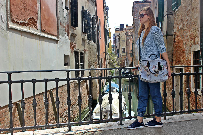 YNOT-MIlano-bag-stansmit-adidas-outfit-fashionblog-elisabettabertolini9