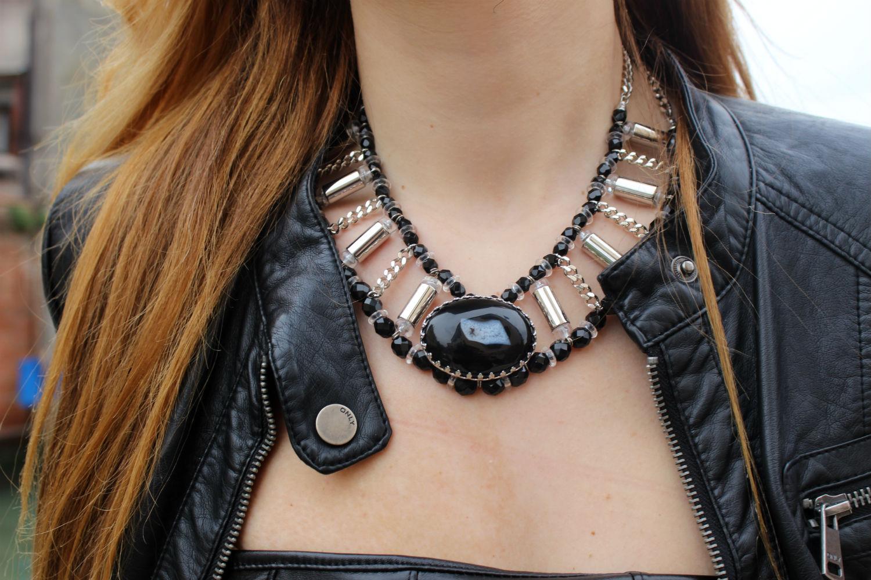 deichmann-lace-pumps-elisabettabertolini-outfit-fruscio-ecopelle-abito-LBD-fashionblogger8