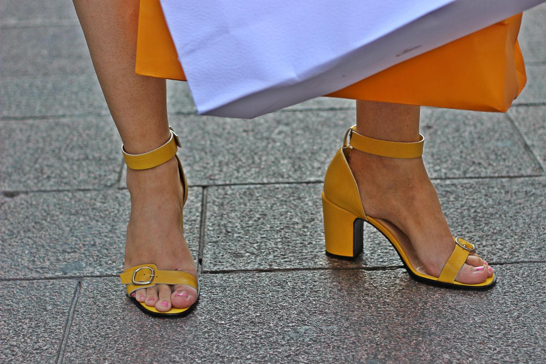 castaner sandali tacco grosso gialli