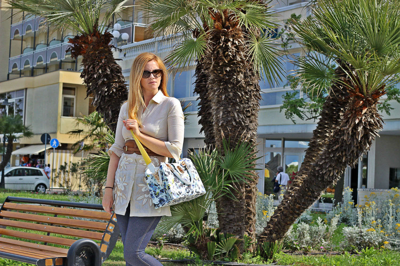 nara camicie camicia in lino elisabetta bertolini cesenatico liujo fiori bag outfit fashion blogger