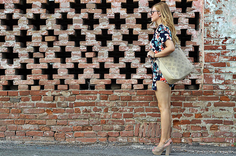 tuta a fiori e borsa marina galanti per la fashion blogger cremonese elisabetta bertolini