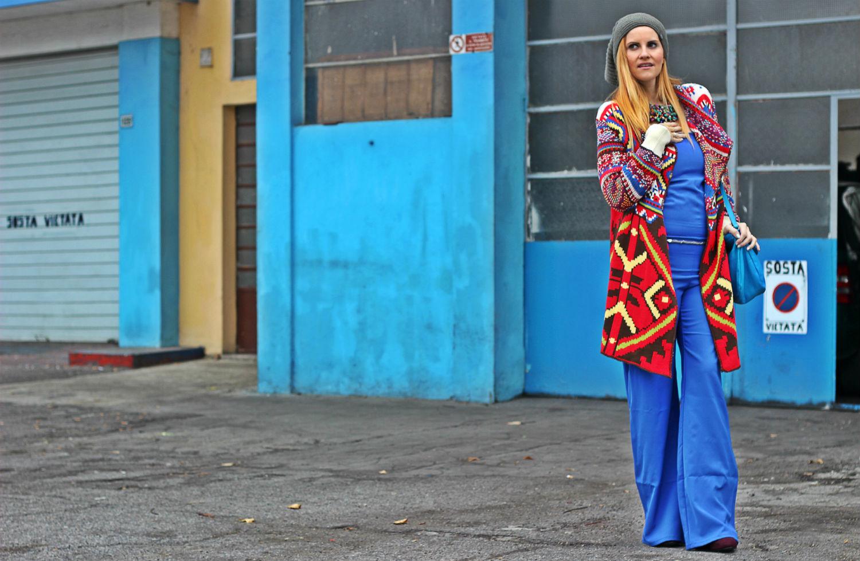 fashion blogger incinta - moda etnica - bertolini - cremona - blu e rosso - desigual maxi cardigan