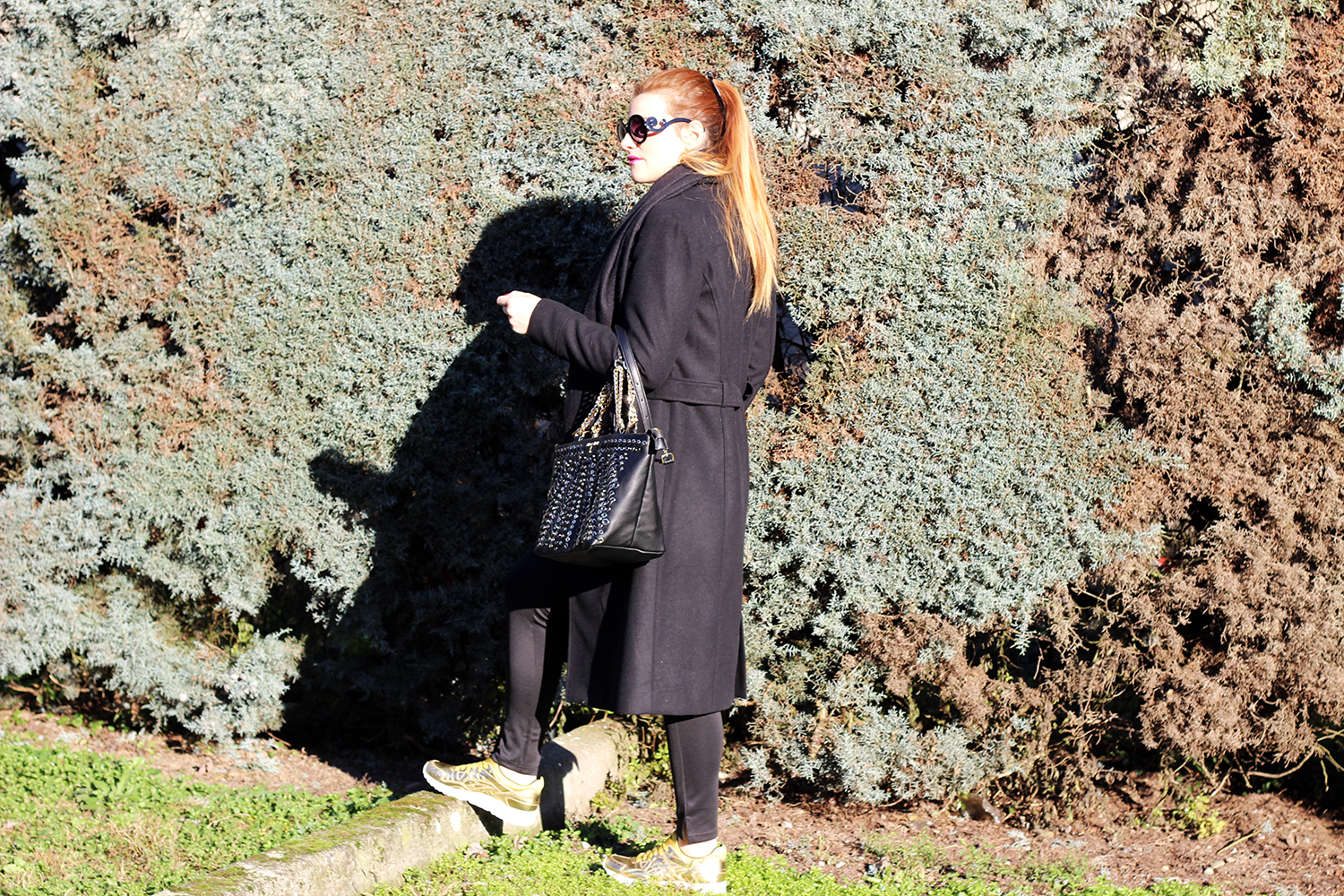ELISABETTA BERTOLINI LONG COAT E TOTAL GOLD SHOES