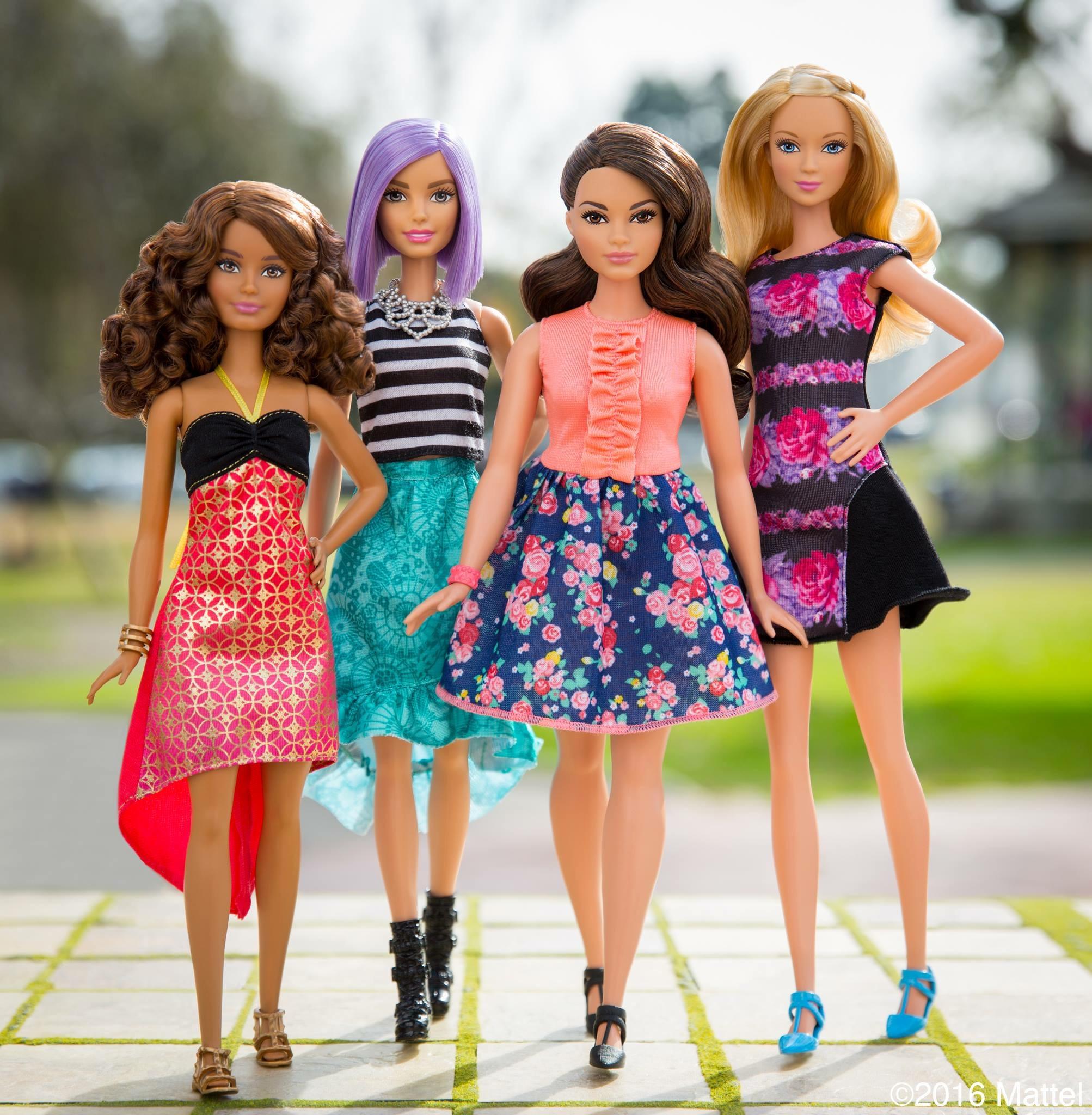 Barbie cambia forma nasce fashionista 2016