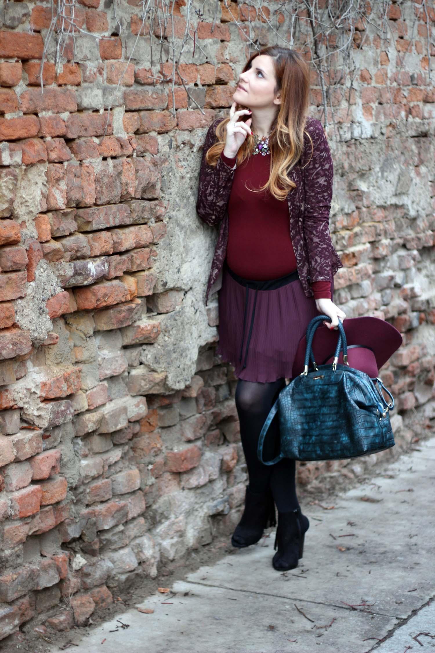 outfit gravidanza elisabetta bertolini fashion look marsala e petrolio fashion blogger italiane