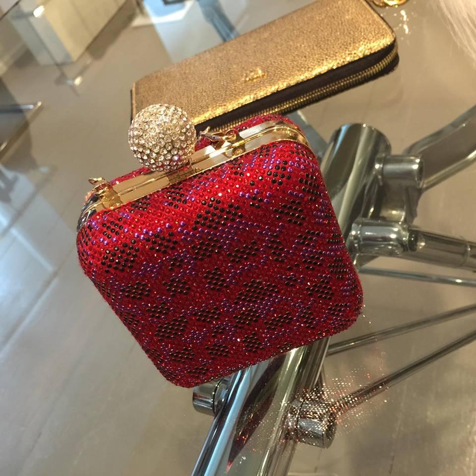 clutch via delle perle elisabetta bertolini moda autunno inverno 2016