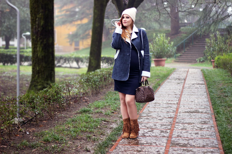 moda premaman fashion blogger italiane shearling coat blu ed abito al ginocchio envie de fraise
