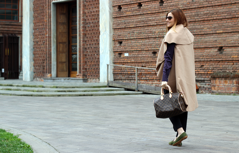 CAMEL COAT E SLIP-ON SHOES PROSPERINE elisabetta bertolini fashion blogger cremona