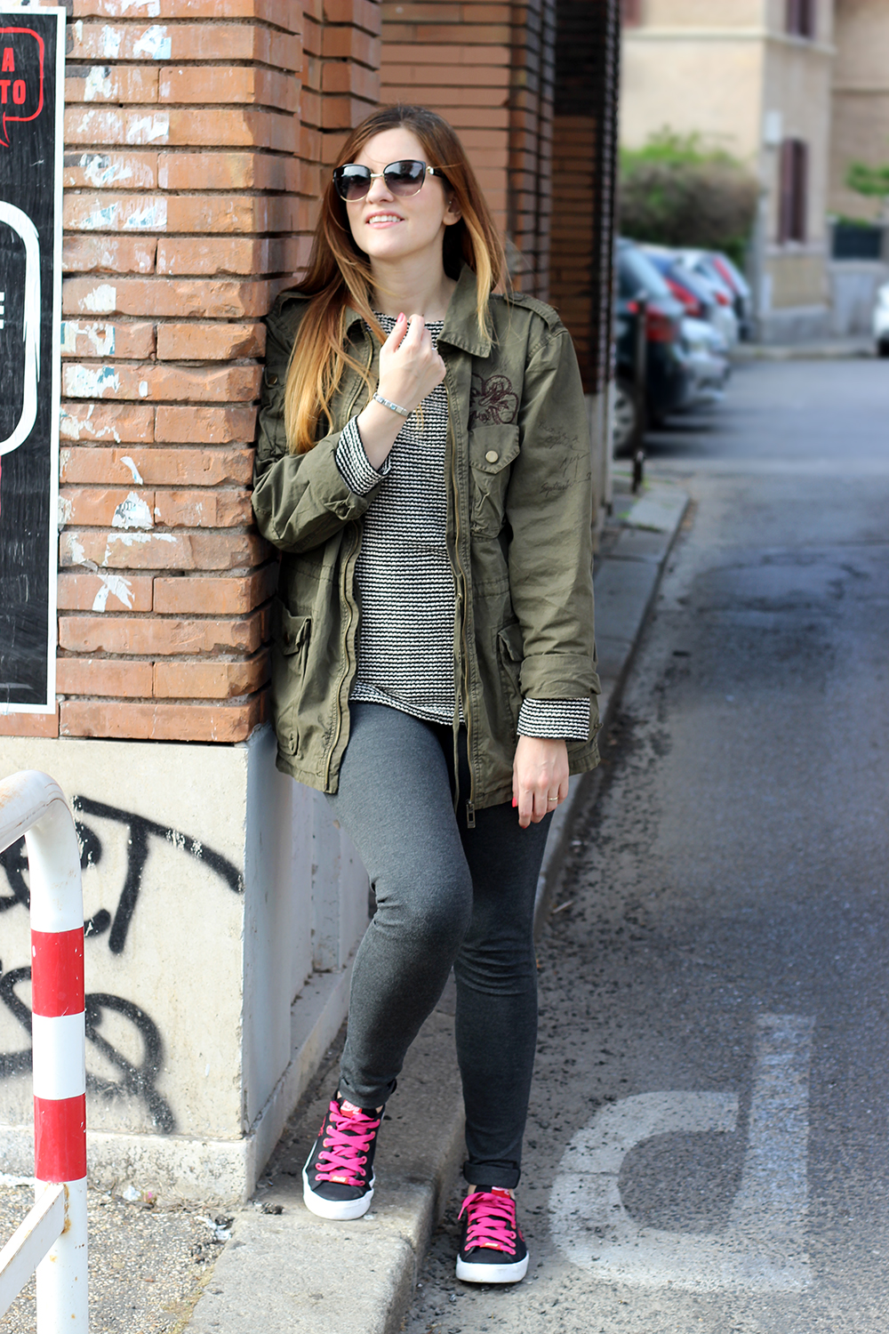 MILITARY STYLE OUTFIT ABBIGLIAMENTO DONNA COCACOLA SHOES