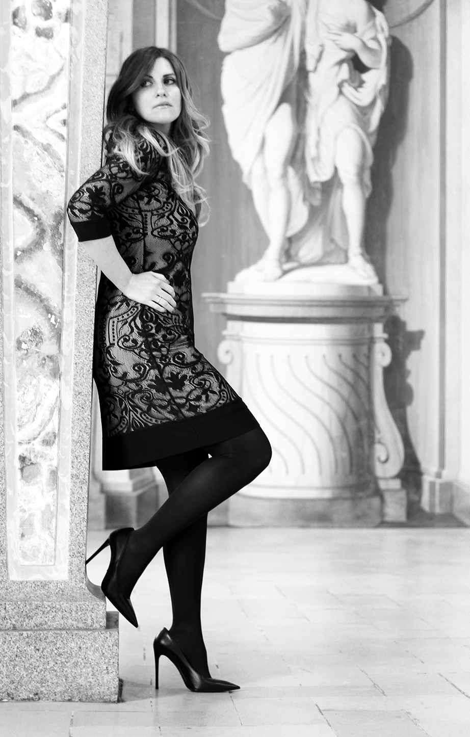 castello di belgioioso black pumps prada hse24 lace dress