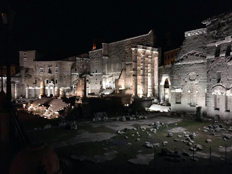 cosa vedere a roma fori imperiali by night