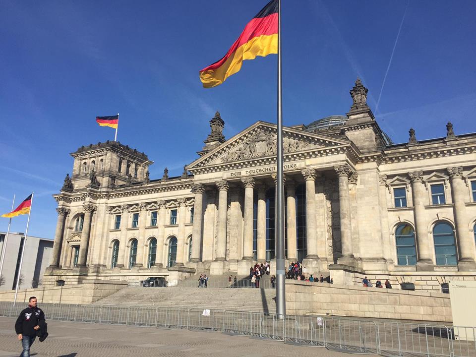 palazzo del reichstag berlino visitberlino