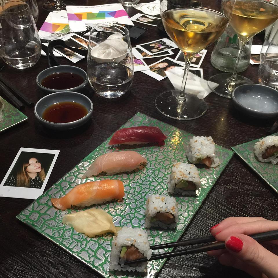 sushi b milano cibo giapponese e foto istantanee fujifilm