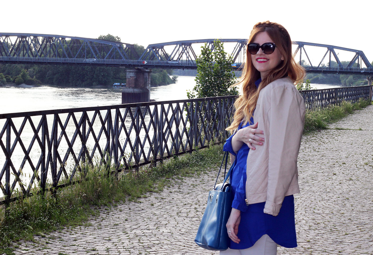 outfit blu e beige free time