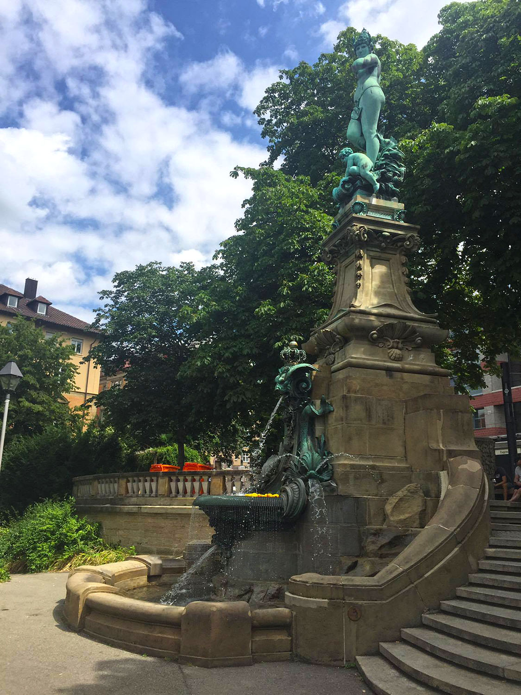 eugenplatz_fontana_galatea_nuda_stoccarda