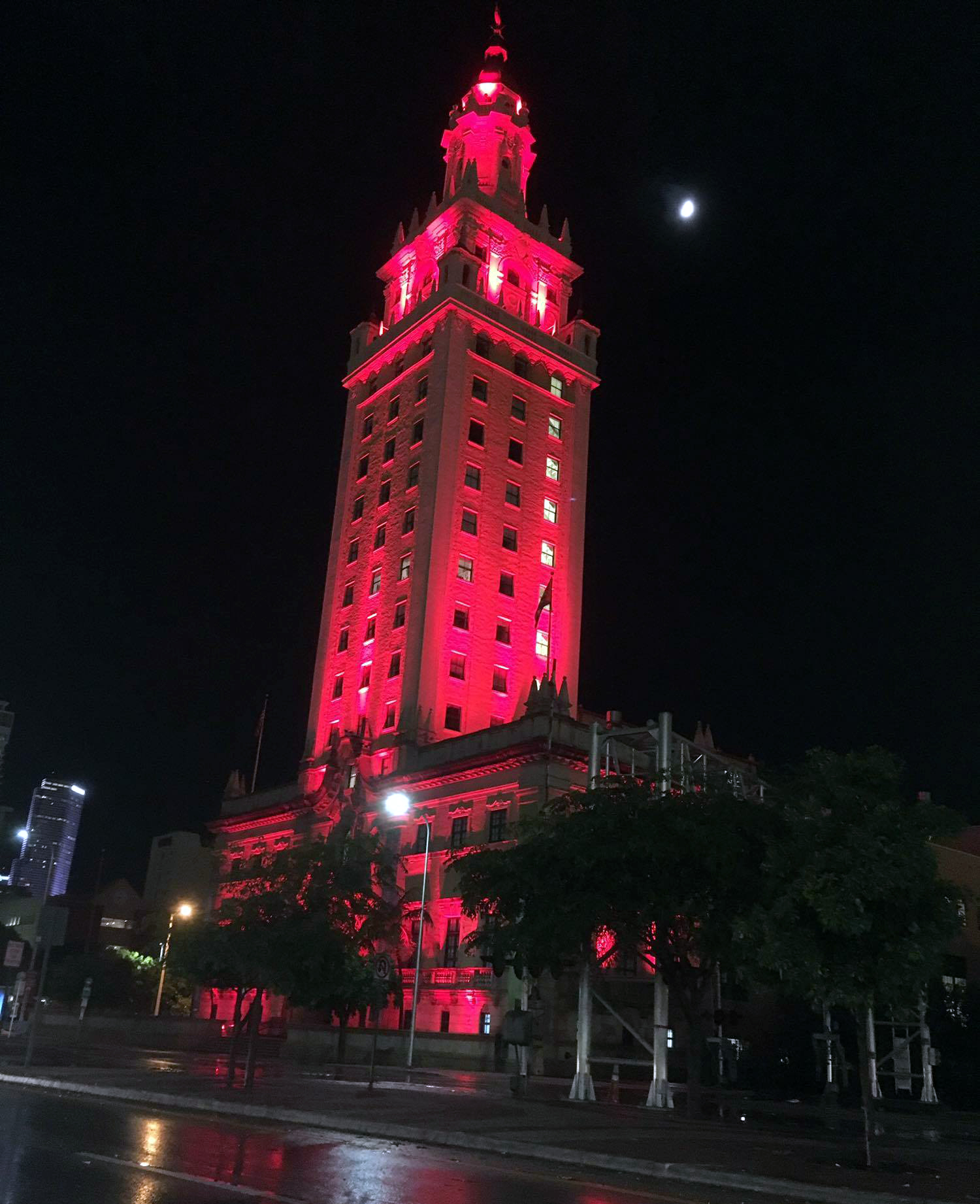 the_freedom_town_miami_red_night