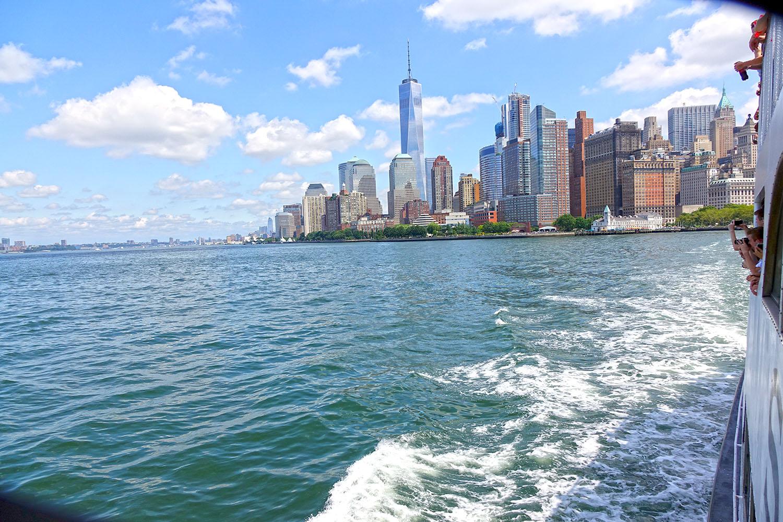 NYCSKYLINE_vista_traghetto_ellis_island