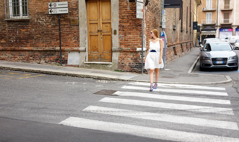blogger_elisabetta_bertolini_outfit_abito_bianco