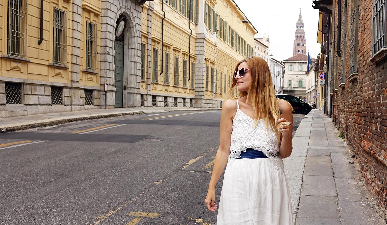 abito_bianco_cintura_blu_fashion_blog_cremona