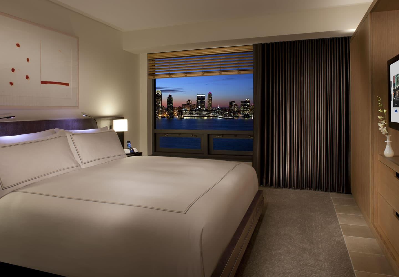 conrad_hotel_suit