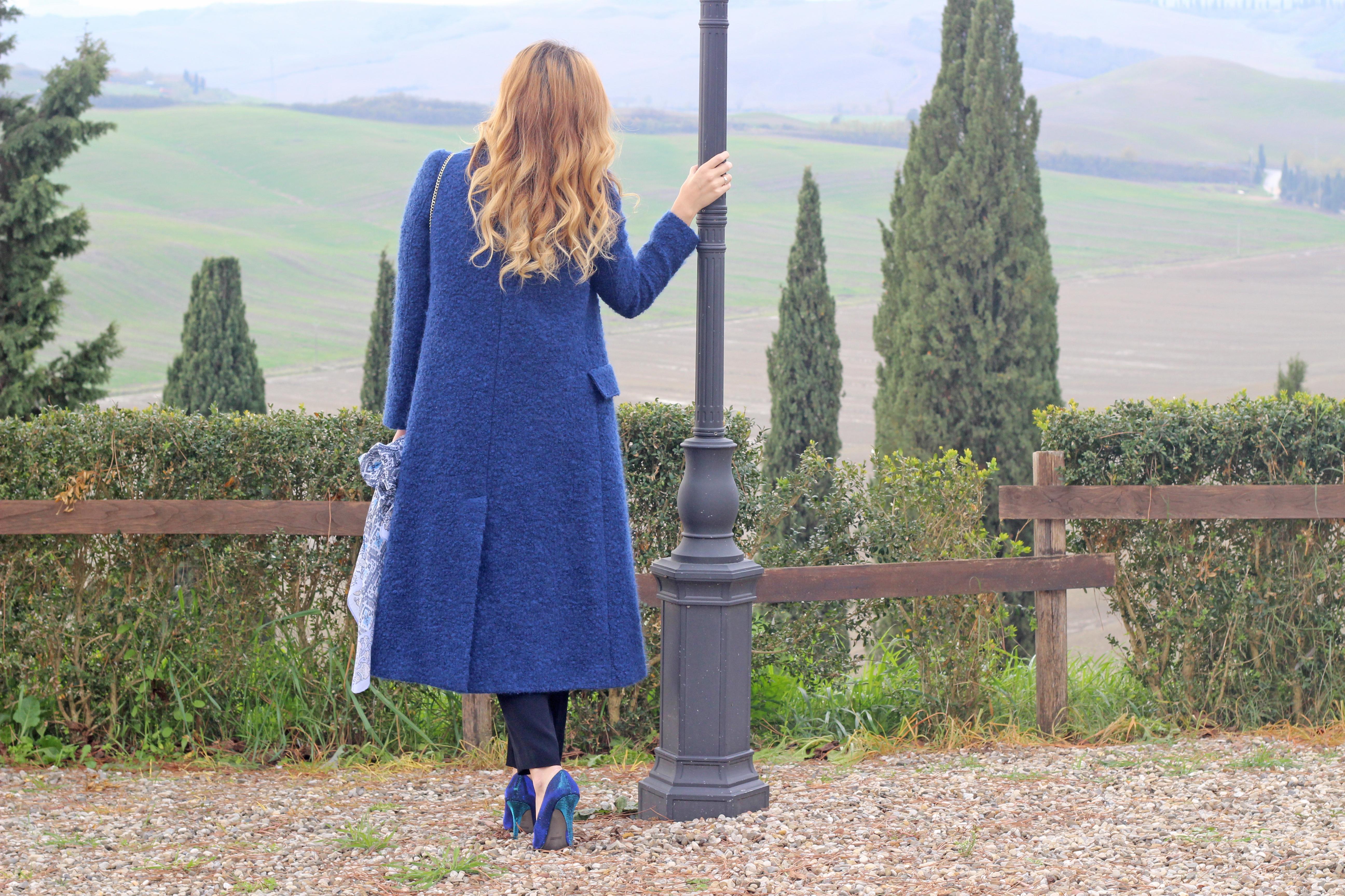 cappotto lungo blu terre senesi