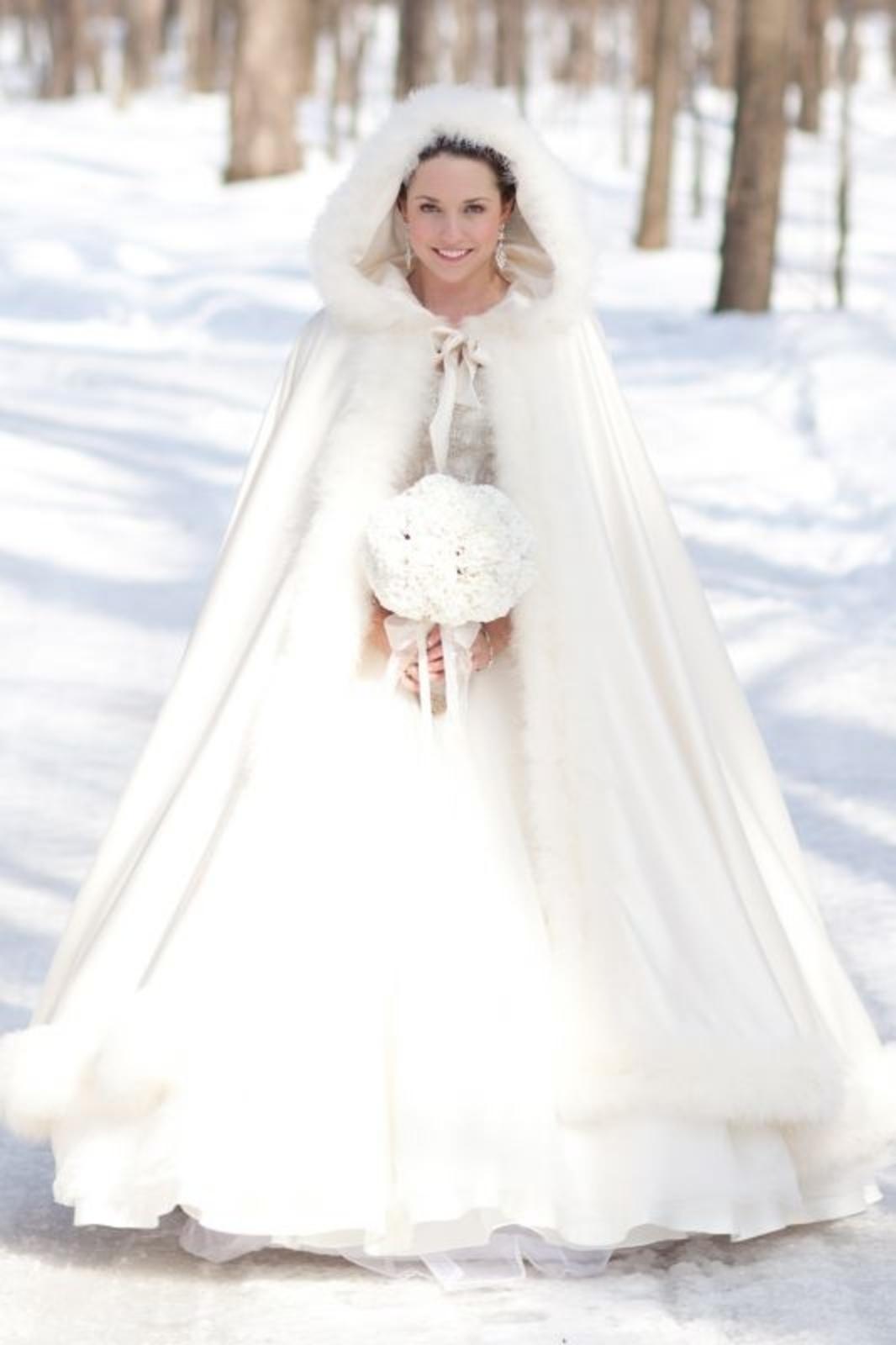 cappotto mantella pelliccia sposa invernale