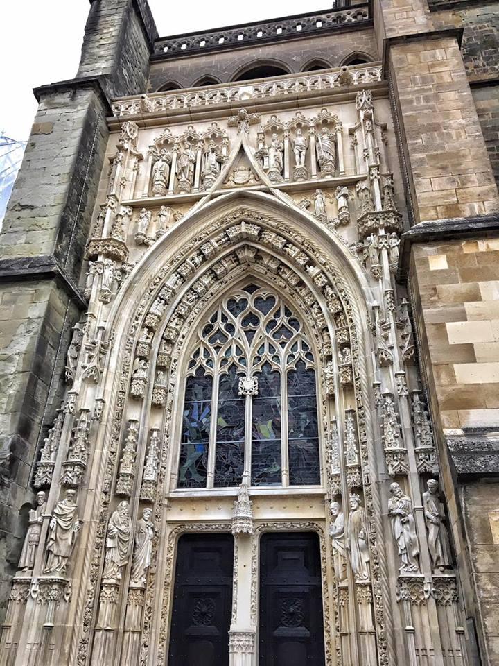 losanna facciata porta cattedrale