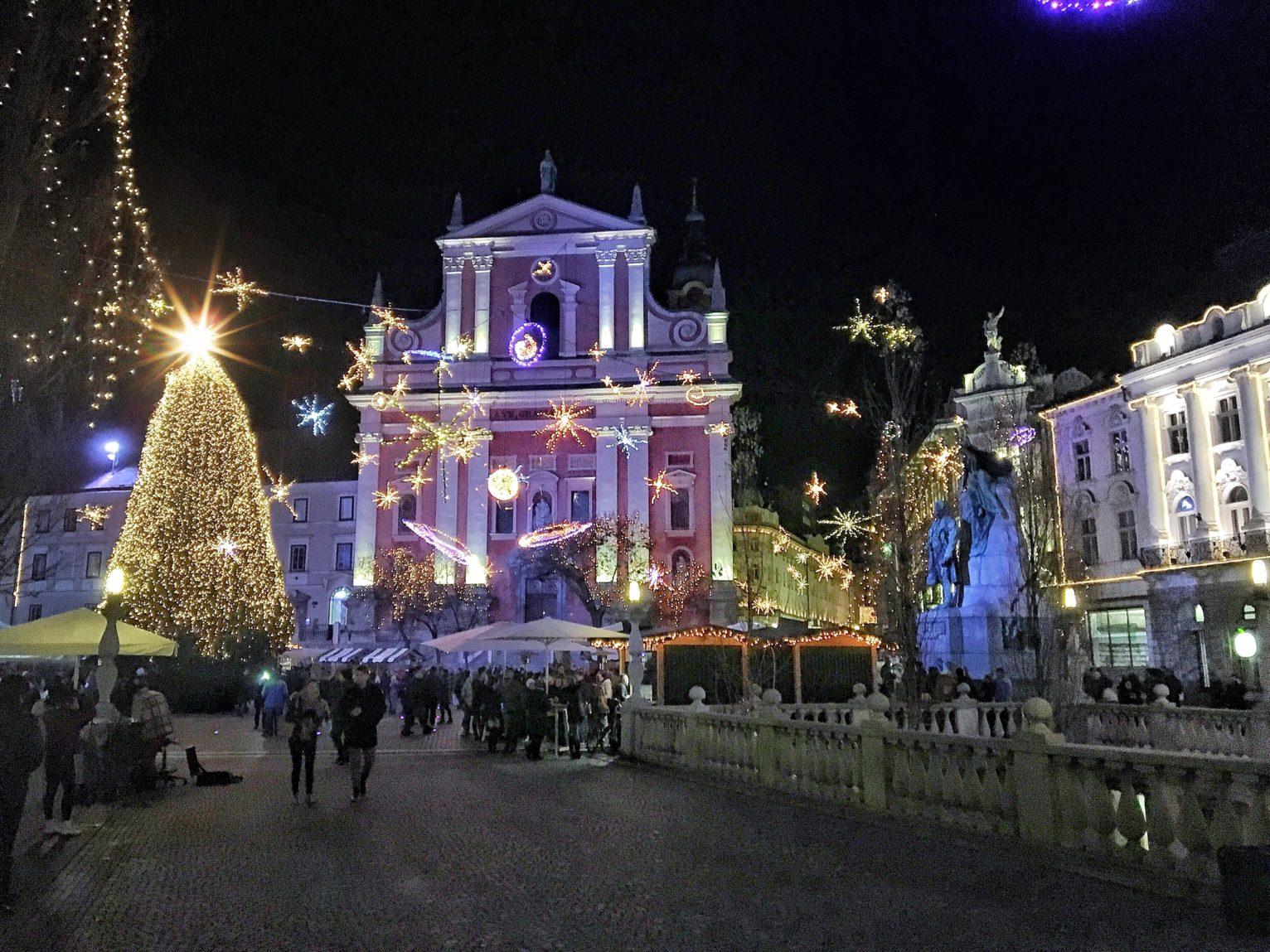piazza Pogačarjev luminarie natale 2016
