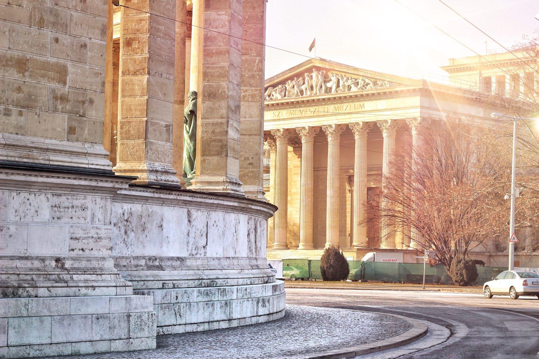Piazza deli eroi budapest