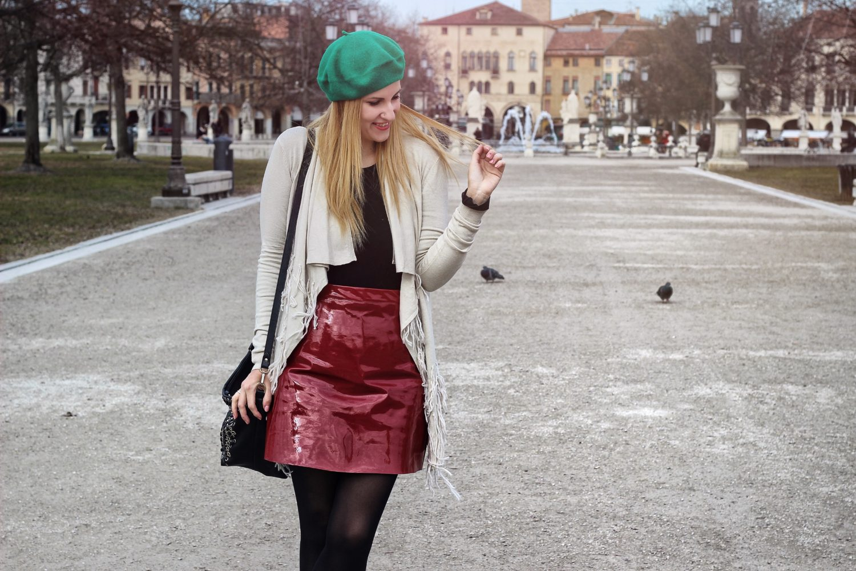 Elisabetta Bertolini gonna in vinile rosso