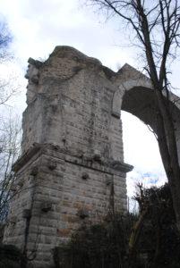 Umbria-Arco di Augusto-Mulino dei marchesi Eroli-Dandy Elegance