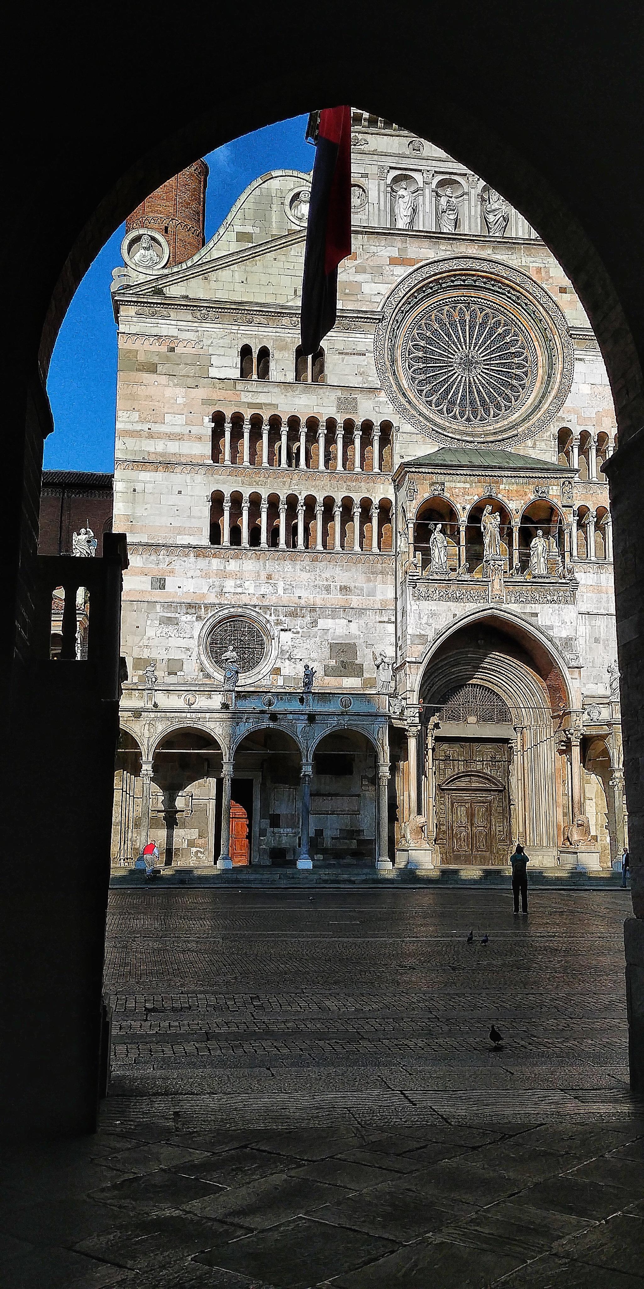 Portici Duomo di Cremona Lg G6 foto