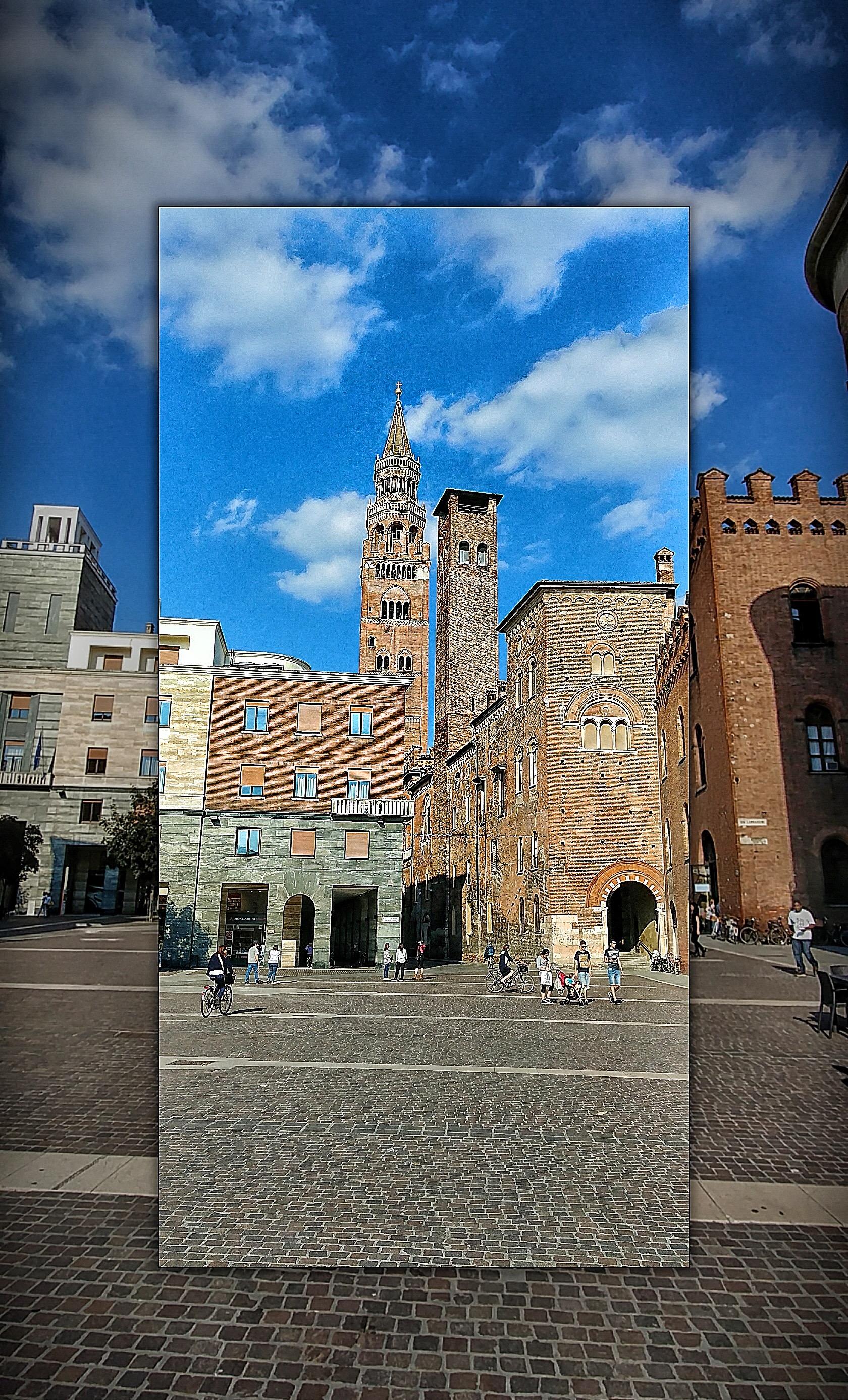 Piazza stradivari Cremona