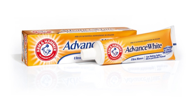 dentifricio-arm-and-hammer-advance-white