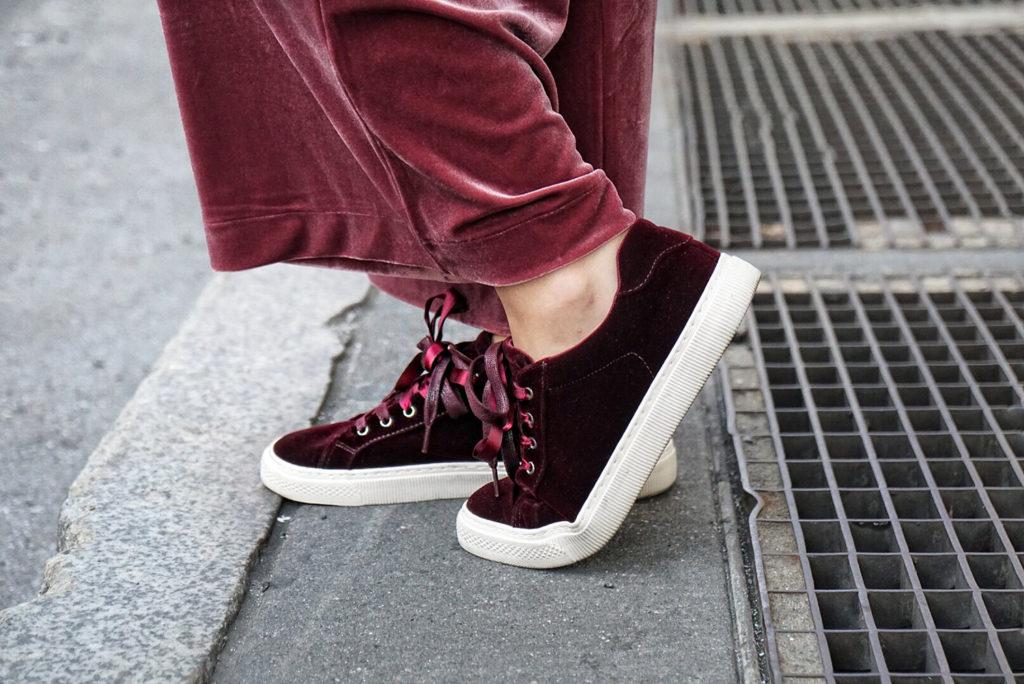 velvet_sneakers_deichmann