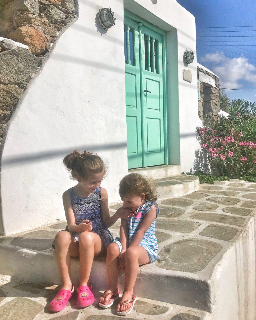 masseroni_sisters_mykonos