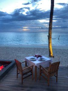 cena_spiaggia_maldive