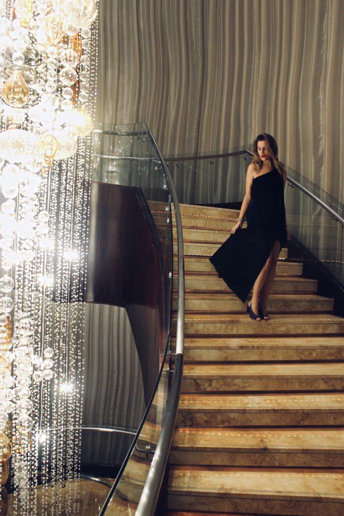 shangrila_hotel_dubai_stairs