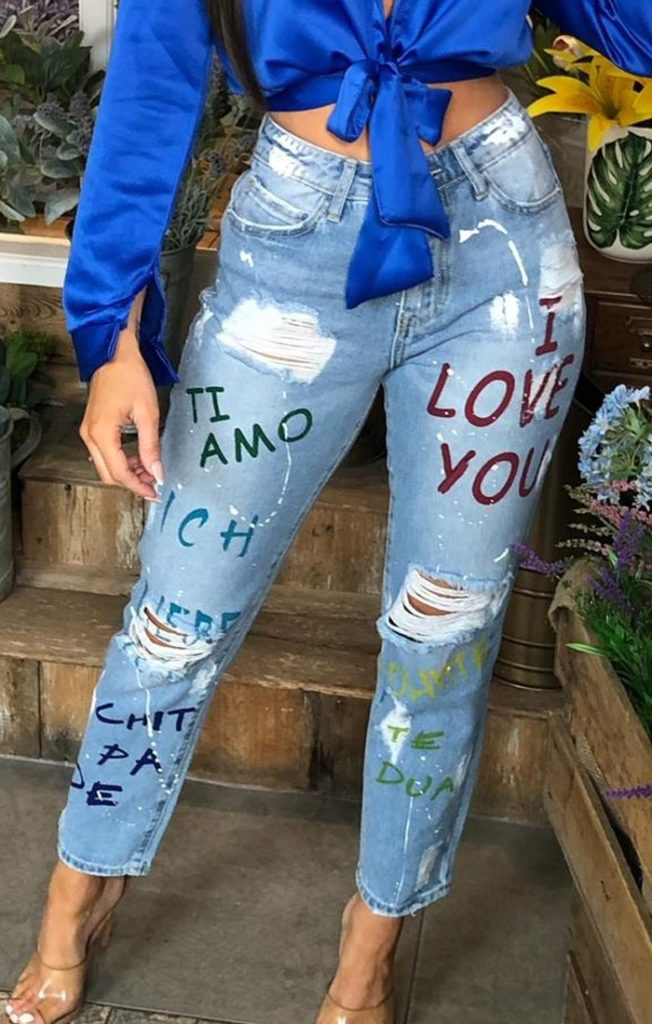 light-wash-grafitti-print-ripped-jeans_1920x